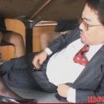 (パンストフェチ)女性部下たちの会議の机の下で脚やパンティを見ながらシコるおじさんww実は部長www【Tube8】