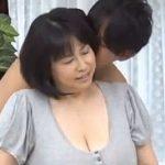 (おばさん初撮り)【富沢みすず】小さい頃からボインちゃんと呼ばれていた123cmLカップ五十路爆乳熟女のデビュー作wwこりゃすごいやww【Share Videos】