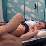 (マジックミラー号)寝取られ願望のある夫たちが互いの妻を交換し寝取り合うwwマジックミラー越しに夫に見られているとも知らずに…【Share Videos】