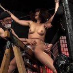 (くすぐり拷問)【伊織涼子】ただでさえ残酷なくすぐり拷問に加えて三角木馬に拘束しオマンコに電マ責め!この究極拷問で女は発狂!【Pornhub】
