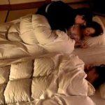 母と娘の団らんを取材→実は、娘が横に寝ている状況で母に夜這いをかけるエロ企画wwマジ母が羞恥ww【Pornhub】