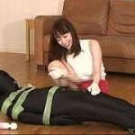 <M男虐待>サド癖が強い女上司は元部下のマゾ男を自宅マンションに監禁し「いもむし男」として飼っているww【XVIDEOS】