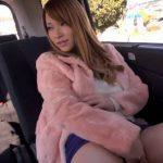 (ティア)スタイル抜群のハーフ美女が車の中で欲情してカーセックスwwしかし男のクンニする音がめちゃエロいなww【RedTube】