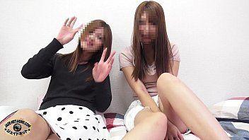 (ライブチャット)普通に可愛い女の子たちがカメラの前でおっぱいとオマンコ見せてオナニーを配信してくれる…いい時代だww【XVIDEOS】