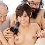 美乳の美少女AV女優(瑠川リナ)がハゲで、デブで、臭いオッサン達が溜めてきたくっさーいザーメンを綺麗なお顔に浴びるw【Share Videos】