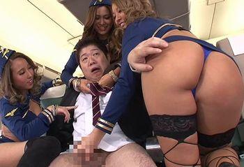 (ハーレム)黒ギャルCAの航空会社のフライトでは乗客のチンポにも手厚い性サービスww座席に座って騎乗位で腰振り→中出し【Share Videos】