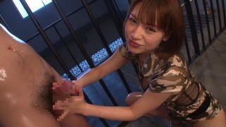 ムチムチでスタイル抜群のドS美女(本田莉子)が覆面で拘束されたM男くんに淫語で責めながら手コキ&フェラで見事な痴女っぷり【Share Videos】