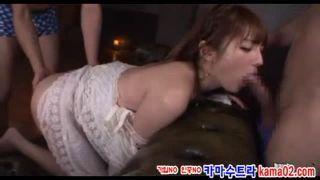S級キャバ嬢が太客二人と闇営業ww指名を取るために本番セックス&ぶっかけ3Pプレイ【Share Videos】