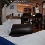 【澤村レイコ】夫がソファで酔いつぶれているのを見ながら若い義弟にカラダを愛撫され感じる淫乱妻【Tube8】