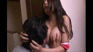 (香島りょう)自分たちのセックス覗いて見ていた義理の弟のチンポが勃起しているのを見てお姉さんが誘惑してハメさせてあげちゃった【XVIDEOS】