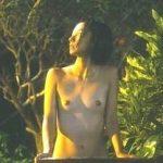 満島ひかり 乳首丸出し全裸ヌードで水浴びする濡れ場がエロい【動画エロタレスト】