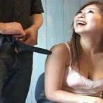 茶髪ストレートヘアのむっちり巨乳のお姉さんが終始笑顔でセンズリ鑑賞wwラップ越しのぶっかけもめっちゃ楽しそうだしww【Share Videos】