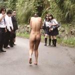 『見ないでぇッ!!』衣服剥ぎ取り野外レイプ!ヤリ捨てられた女教師が生徒たちに目撃される…