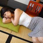 【義理母欲情】妻の不在にお手伝いにやってきたお母様が昼寝で無防備っ抑えられない性欲に負け・・