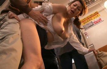 (風間ゆみ)美人で優しい女教師が電車で痴漢にあってレイプされてしまう!その現場を見ていた生徒に学校で脅され、言いなりに…【JavyNow】