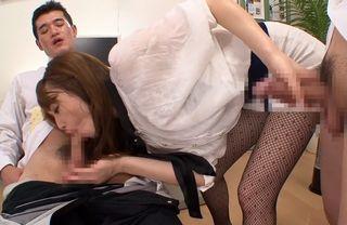 エアコンの効きが悪いオフィスで汗だくで働く社員の汗臭いチンポを美味しそうにしゃぶってくれて顔射させてくれる美人なOLさんww